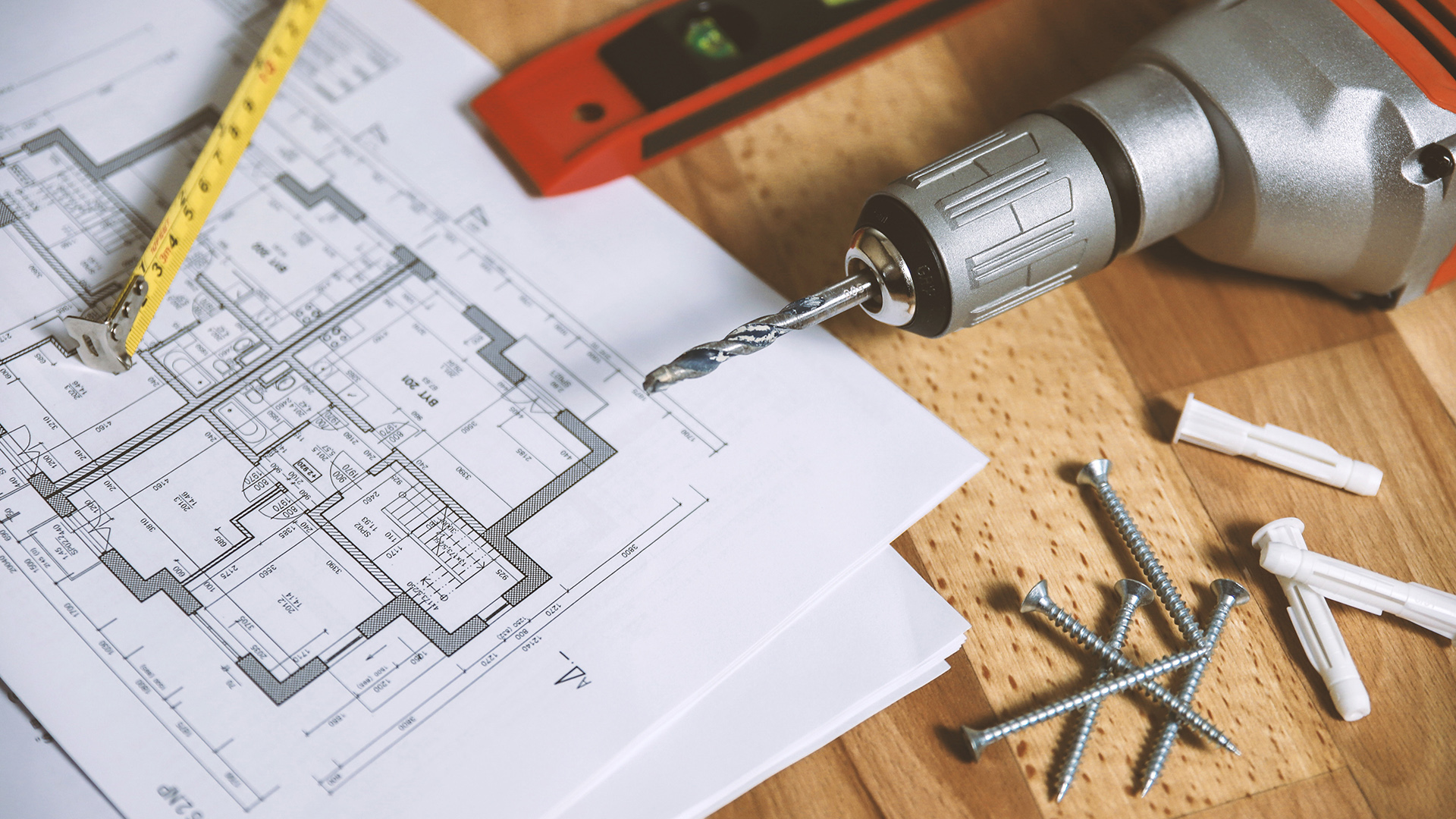 Drill, screws and floor plan