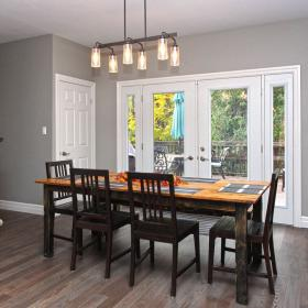 Dinette with Double Door Walkout