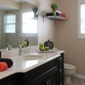 How to Stage a Bathroom for Open House