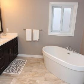 Simple Bathroom with Soaker Tub