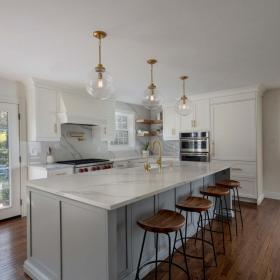 Large Kitchen Island with White Modern Finishes